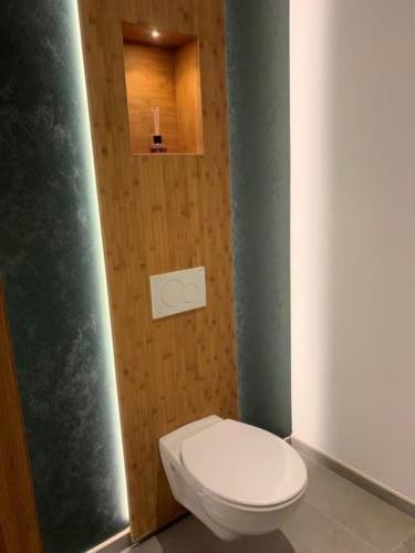 habillage wc suspendu bambou (1)